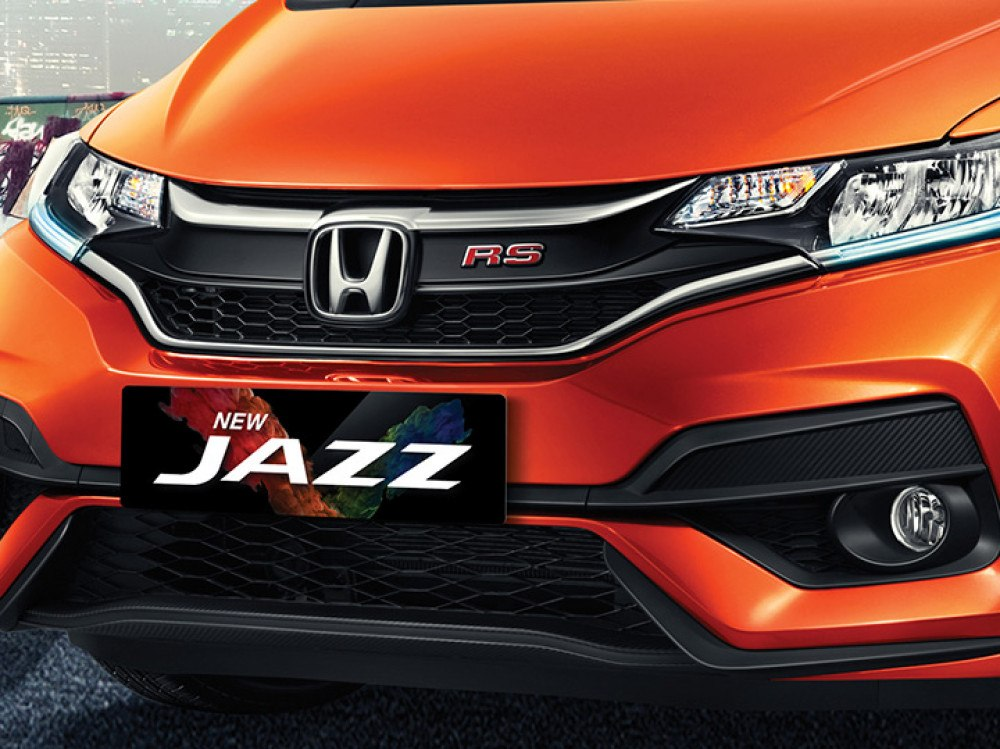 Stunning Front Bumper + Sporty Front Bumper